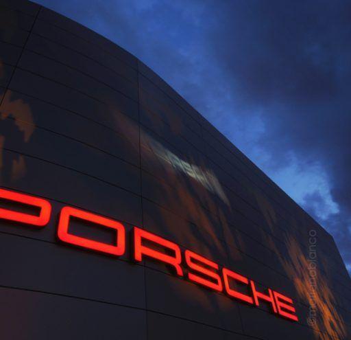 Fachada concesionario Porsche
