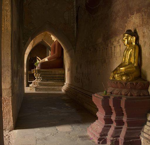 Fotografía Myanmar interior templo Budista