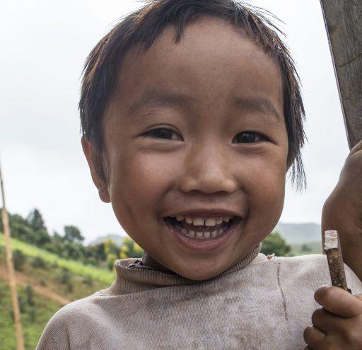 fotografía Myanmar niño