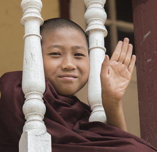 Fotografía Myanmar  niño Monje Budista
