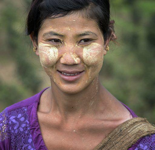 Fotografía Myanmar mujer recolectora de té