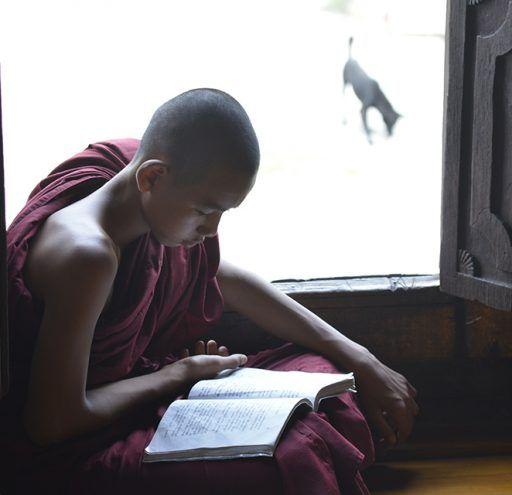 Fotografía  niño budista Myanmar