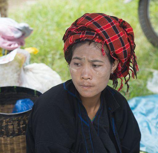 Fotografía Myanmar mujer campesina